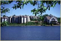 Whispering Lake Apartments Kc